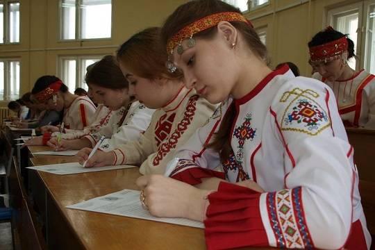 Владимира Путина попросили защитить чувашский язык