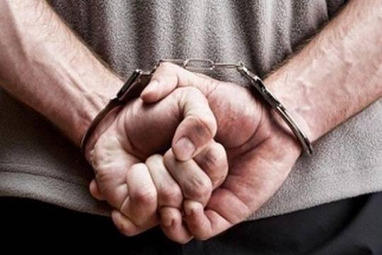 ВЧувашии после Интернет-переписки 13-летнюю девочку изнасиловали вподъезде
