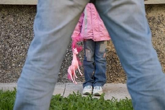 ВМарий Элпедофил изнасиловал 11-летнюю девочку